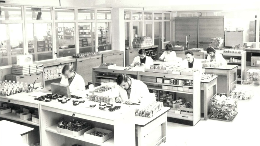 Assembly group of electric temperature controllers in 1972
