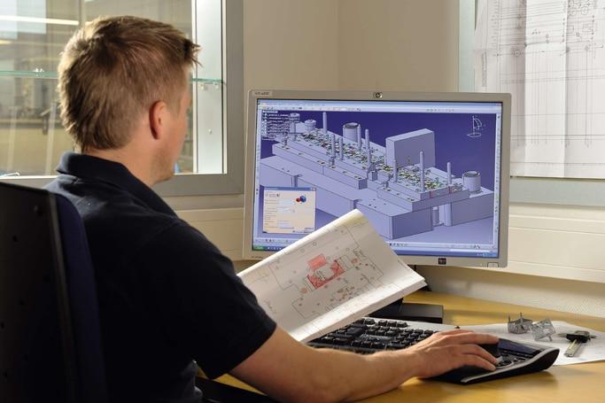 Mitarbeiter bei der CAD-Erstellung